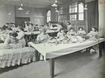 An Upholstery Class for Female Students at Borough Polytechnic, Southwark, London, 1911--Photographic Print