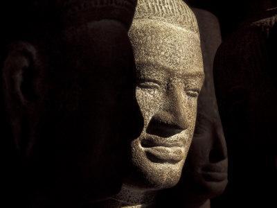 https://imgc.artprintimages.com/img/print/ancient-stone-sculptures-angkor-wat-cambodia_u-l-p4277x0.jpg?p=0