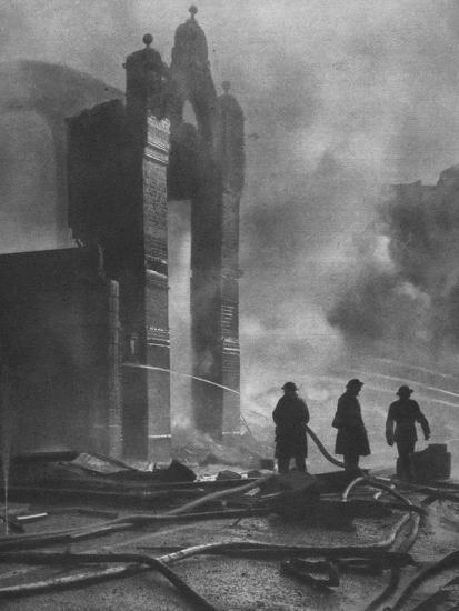 'And the heat of Battle.', 1941 (1942)-Unknown-Photographic Print