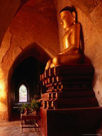 Golden Statue of Buddha in Sulamani Temple, Bagan, Mandalay, Myanmar (Burma)