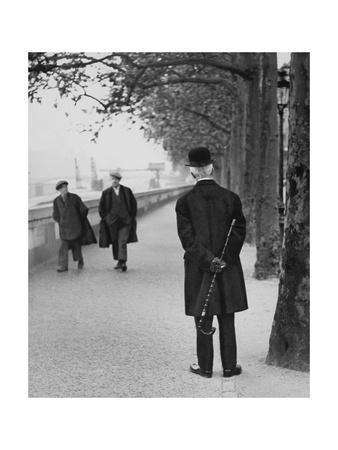 Vogue - August 1944