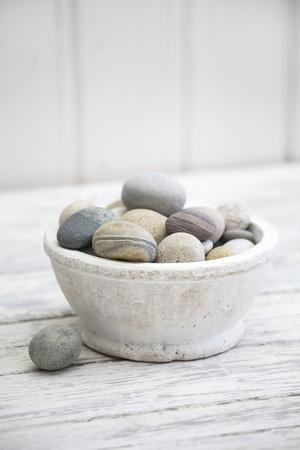 Bowl with Pebble Stone