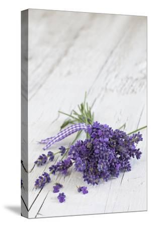 Lavender, Blossoms, Smell, Bunch, Wood