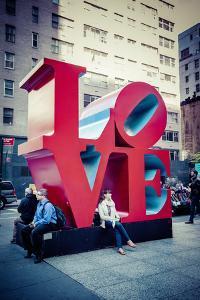 Love Sculpture, Mid-Manhattan, Manhattan, New York, USA by Andrea Lang