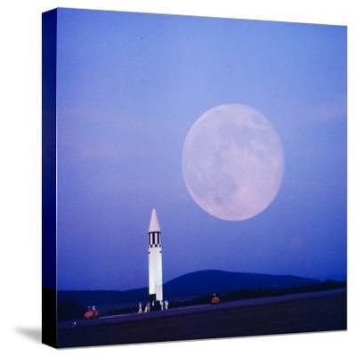Missile and Moon at Huntsville Ala. - Dr. Von Braun's Team