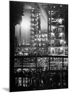 Stand Oil of Baton Rouge Refinery Helps Make Rubber, High-Octane Gasoline and Explosives by Andreas Feininger