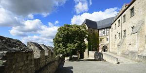 Germany, Saxony-Anhalt, Burgenlandkreis, Freyburg (Unstrut), Castle Neuenburg by Andreas Vitting