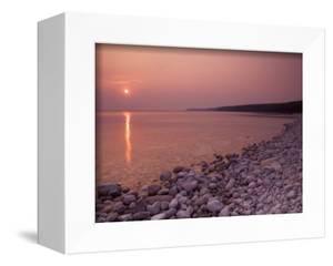 Sunrise at Halfway Log Dump on Georgian Bay Along the Niagara Escarpment on the Bruce Peninsula. Br by Andrew McLachlan