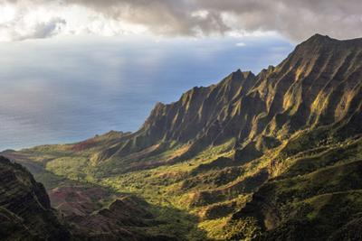 Overlooking the Kalalau Valley Right before Sunset by Andrew Shoemaker