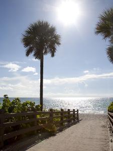 Atlantic Ocean, Miami Beach, Florida, USA by Angelo Cavalli