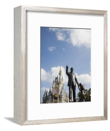 Statue of Walt Disney and Micky Mouse at Disney World, Orlando, Florida, USA