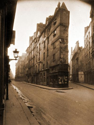 Angle des Rues de Seine et de l'E?Chaude?, 6e Arrondissement, Mai 1924-Eug?ne Atget-Photographic Print