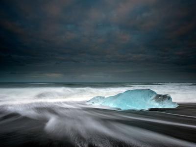 Jökulsárlón Frozen Ice Penguin, Iceland