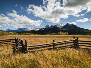 USA, Colorado, Dallas Divide, Last Dollar Ranch by Ann Collins