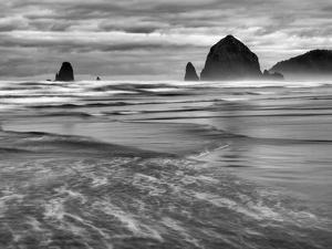 USA, Oregon, Cannon Beach, Haystack Rock and the Needles by Ann Collins