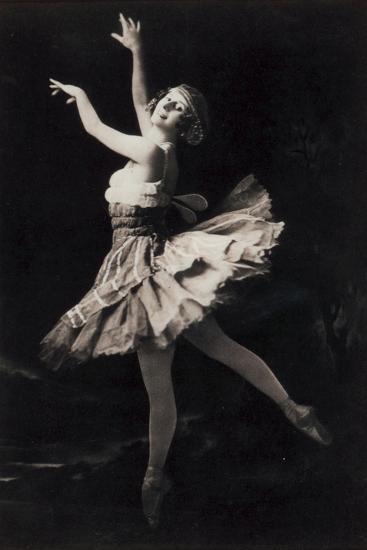 Anna Pavlova Dancing