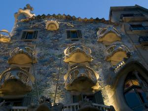 Casa Batilo Is a Gaudi Wonder, Small House with Distinctive Balconies by Annie Griffiths Belt