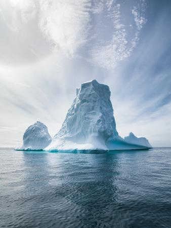 https://imgc.artprintimages.com/img/print/antarctica-and-iceberg-landscape-detail-of-various-forms-and-sizes-in-the-polar-regions-of-earth_u-l-q1a62010.jpg?p=0