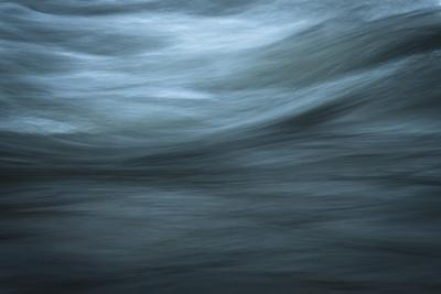 Light End Of Silky Waves