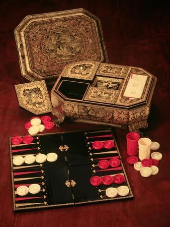 https://imgc.artprintimages.com/img/print/antique-backgammon-set-and-boards_u-l-plmw2d0.jpg?p=0