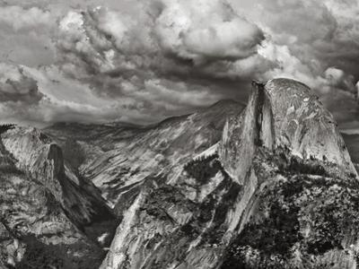 Half Dome under Storm, Yosemite Nat'l Park, UNESCO World Heritage Site, Yosemite, California, USA