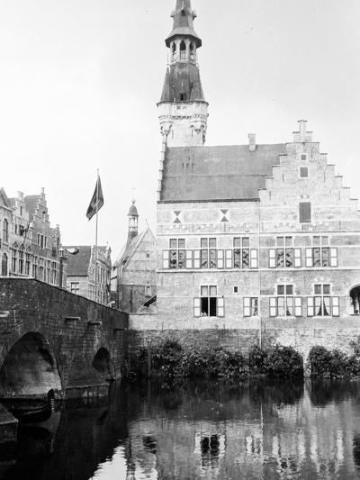 Antwerp, Belgium, 1930-Edward Hungerford-Photographic Print