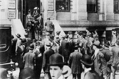 Anxious Crowds Outside the White Star Line Office, 1912-Sport & General-Giclee Print