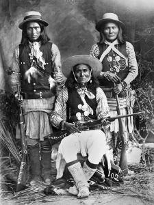 Apache Men, C1909