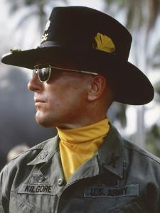APOCALYPSE NOW, 1979 directed by FRANCIS FORD COPPOLA Robert Duvall (photo)