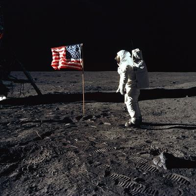 https://imgc.artprintimages.com/img/print/apollo-11-astronaut-buzz-aldrin-during-the-first-lunar-landing-july-20-1969_u-l-pii5x40.jpg?p=0