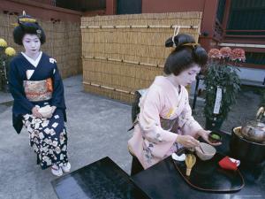 Apprentice Geisha (Maiko) Performing Tea Ceremony, Tokyo, Honshu, Japan