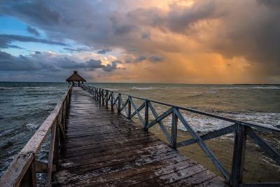 Approaching Squall-Stan Hellmann-Photo