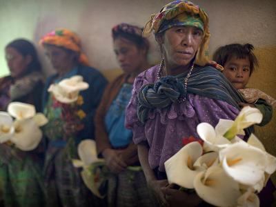 APTOPIX Guatemala Burial-Rodrigo Abd-Photographic Print