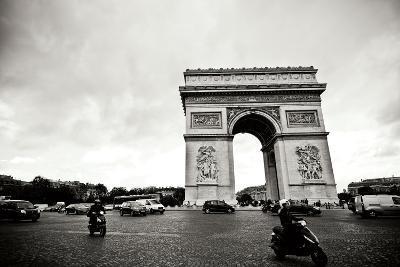 Arc de Triomphe II-Erin Berzel-Photographic Print