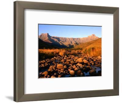 Thukela River and Amphitheatre, Northern Drakensberg, Royal Natal National Park, South Africa