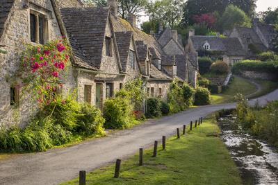 Arlington Row Homes, Bibury, Gloucestershire, England-Brian Jannsen-Photographic Print