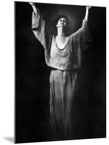 Isadora Duncan (1877-1927) by Arnold Genthe