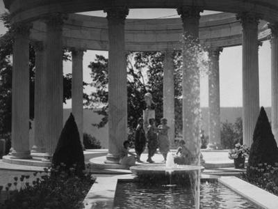Vanity Fair - August 1920 - Isadora Duncan Dancers