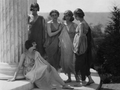 Vanity Fair - August 1920 - Isadora Duncan Group in Grecian Costume