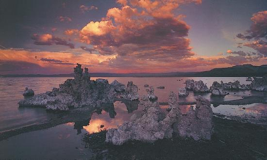 art-wolfe-tufas-in-mono-lake-california