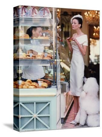Vogue - March 1999 - At the Patisserie
