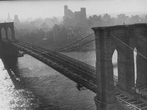 The Brooklyn Bridge by Arthur Schatz