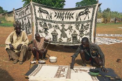 Artisan Painting a Cloth--Photographic Print
