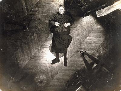 Assassinat De Madame Veuve Bol, Projection Sur Un Plan Horizontal, 25, 1904--Photographic Print