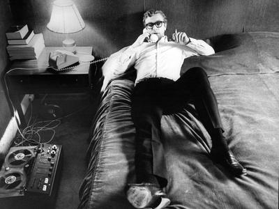 Michael Caine Chilling