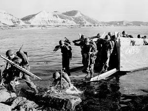 Korean War U.S. Land at Pohang by Associated Press
