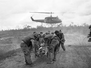 Vietnam War S U.S. Soldiers Wounded by Associated Press