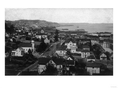 https://imgc.artprintimages.com/img/print/astoria-oregon-town-view-looking-west-photograph_u-l-q1gnw1s0.jpg?p=0