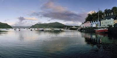 At Portree's Harbor, Colorful Buildings Line the Quay and Boats Drift at Anchor-Macduff Everton-Photographic Print