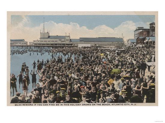 Atlantic City, NJ - Holiday Crowd at the Beach-Lantern Press-Art Print